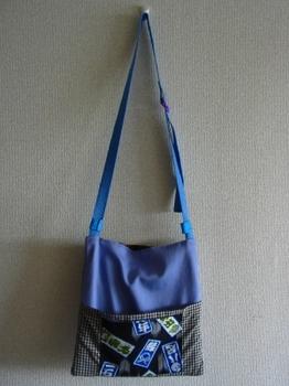 スェード+紫のシンプルナボディ・バッグ_後.JPG